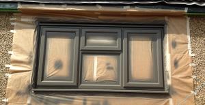 Можно ли покрасить пластиковые окна после установки?