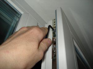Чем заклеить окна чтоб не дуло, как проверить окна на продувание?