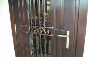 Установка входной металлической двери своими руками: трудности и способы монтажа