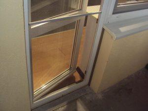 Москитная сетка на дверь балкона - какую лучше выбрать?