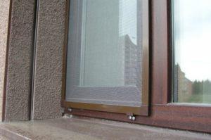 Как снять москитную сетку с пластикового окна - монтаж и демонтаж разных видов сетки