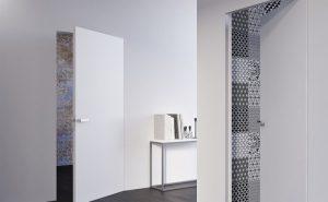 Межкомнатные двери без наличников со скрытыми петлями: правила установки скрытой двери
