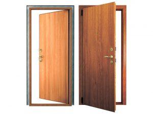 Куда должна открываться входная дверь в квартиру по технике безопасности?
