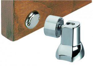 Фиксаторы для межкомнатных дверей: варианты для интерьера, самостоятельная установка