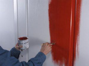 Как обновить старые межкомнатные двери своими руками: варианты реставрации
