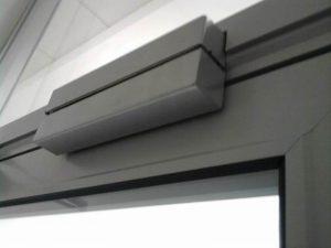Установка электромагнитного замка на металлическую дверь: особенности монтажа замка